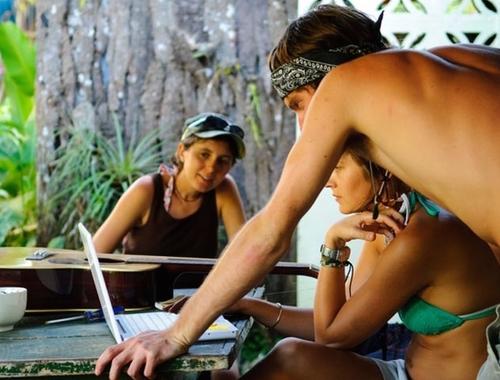 Rosie Bell travel writer portfolio - Central America spanish schools - world nomads travel writing