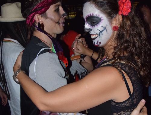 Rosie Bell travel writer portfolio -Panama Bar Crawl Experience review