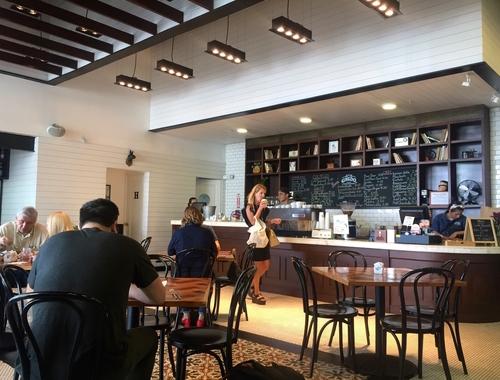 Rosie Bell travel writer portfolio - The best remote working spots in Panama city - Casco Antiguo Spanish school