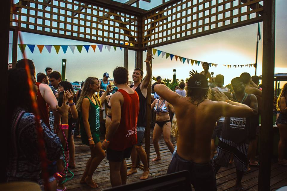 Things to do in Bocas del Toro Panama -central america solo travel Filthy Friday island crawl